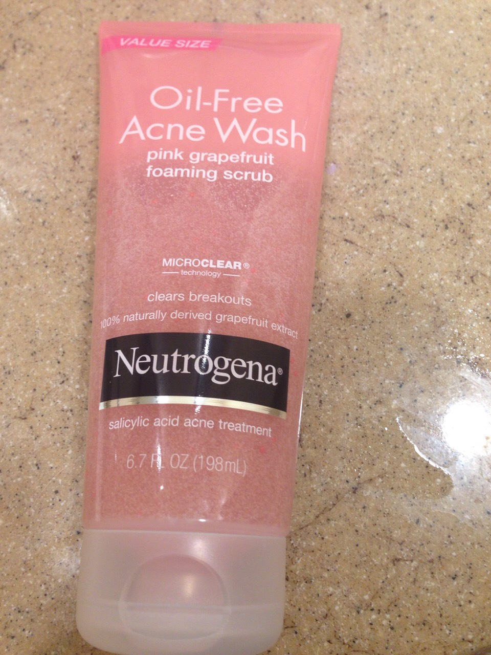 First thing I am using is the oil free acne wash pink grapefruit foaming  scrub if you do not have this you can use any other foaming scrub that clears breakouts 💆