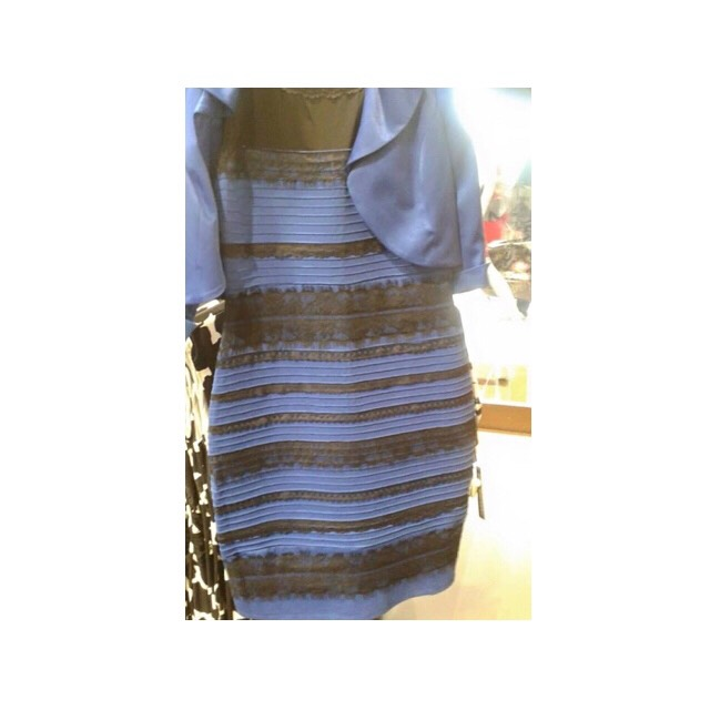 HOW IS THIS DRESS WHITE&GOLD?.  In your opinion what is it😩;  BLUE & GOLD  BLUE & BLACK WHITE & GOLD  💁💁💁