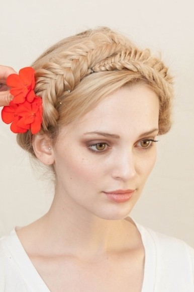 Here are 15 beautiful buns and braids to try this spring!