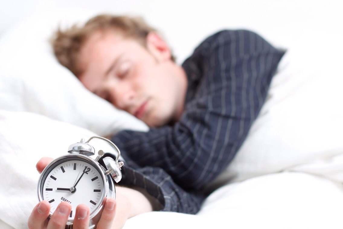 DO: Get 7 hours or more of sleep. Lack of sleep increases ghrelin levels (hormone that makes you hungry) & decreases leptin levels  (hormone that makes you full). It also helps to expose yourself to natural light ASAP to signal your body's metabolism to fire up for the day.