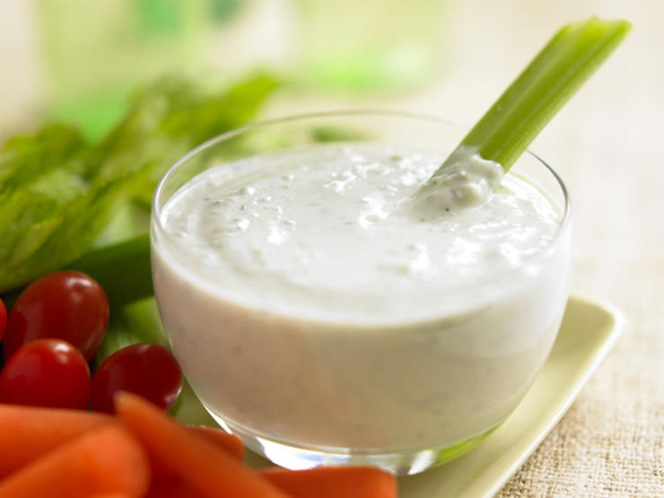 7. Spicy Yogurt Dip & Veggies: Bet you didn't think you could eat dip while losing weight! This savory dip is made from a yogurt base and really spices things up. Break out the veggie tray! Here's the recipe!
