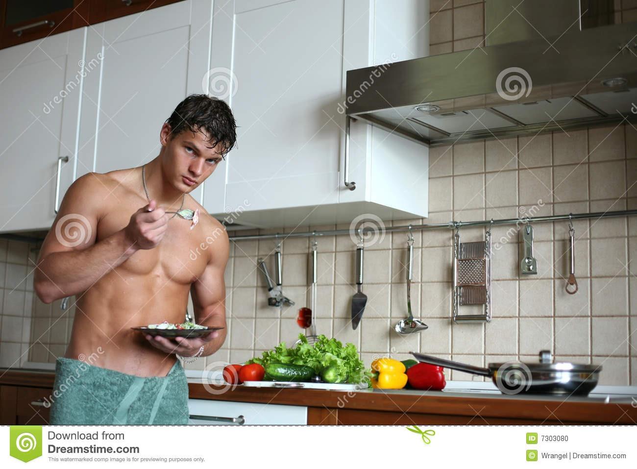 Порно на кухне онлайн, секс на кухне на 24 видео