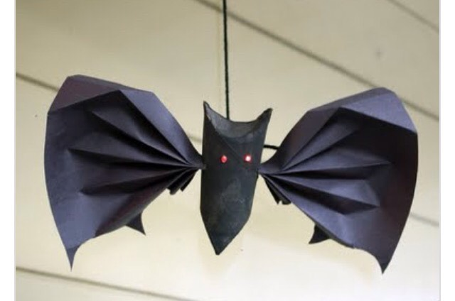 Cute hanging bat 🃏