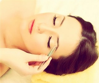 First, wash around your eyebrows to make sure there is no oil or residue around your eyebrows making them well, oily.