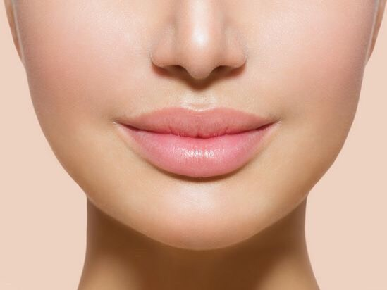 Grande Lips Collagen Boosting Plumper gives your lips an instant plumping effect in 3-5 minutes. With 30 days of use, this lip plumper will give your pout the appearance of fuller, more youthful lips in 30 days.