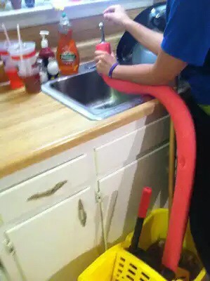 Smart way to fill water into something that cant fit in the sink