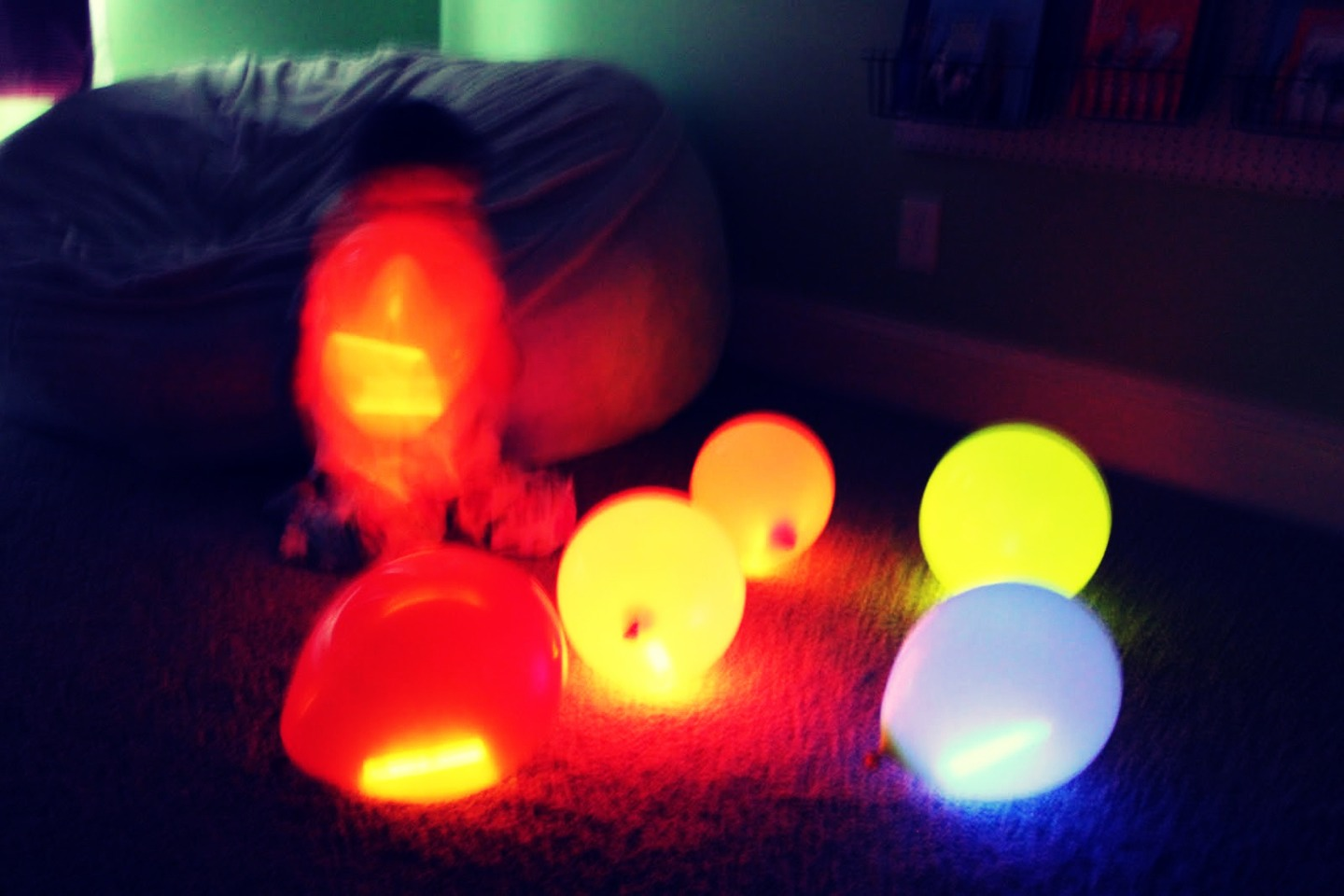 Glow in the dark water balloons - First Break A Glow Stick Then Take The Liquid That S Inside And Pour It Into
