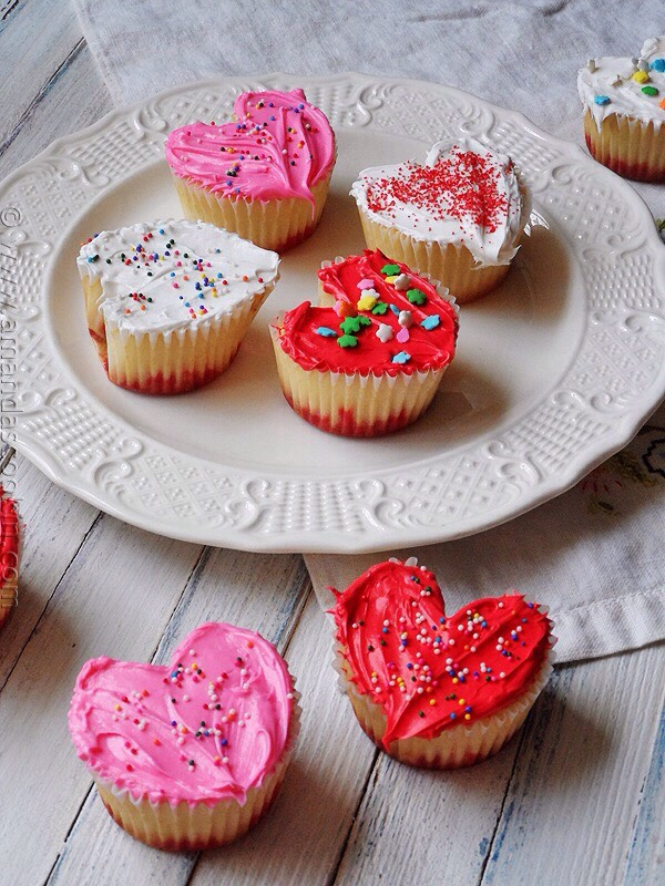 And voilà! You have Cupcake Hearts!