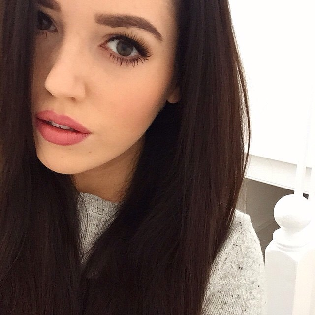 Gabby Lindley aka velvetgh0st is also amazing to watch