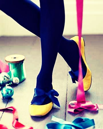 3. Tie a cute ribbon around your foot and then slip on a balle flat to up your game🎉👌