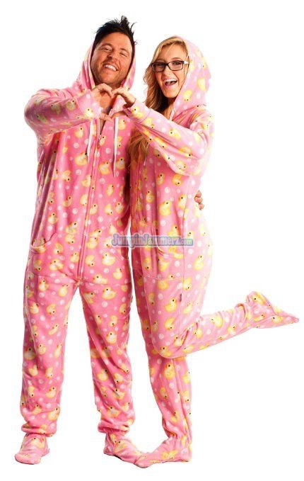 couples matching christmas pajamas - 430×679