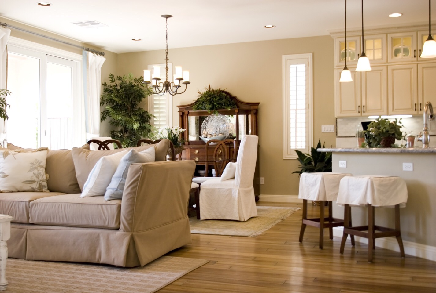 Learn how to keep your house clean so that it isn't so overwhelming and stressful.