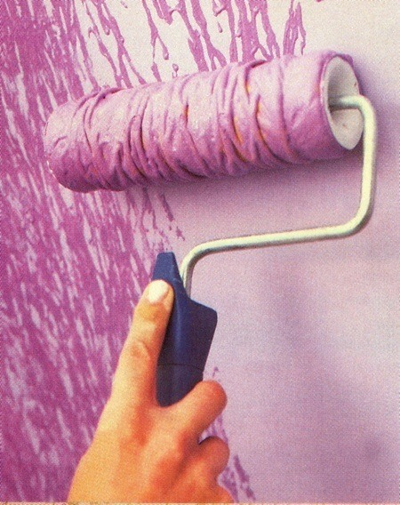 Textured Walls With Yarn Around A Paint Roller