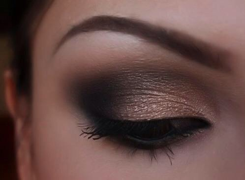 Taupes, peaches and even browns are all great colors that go fantastic with brown eyes. Remember you can just go with eyeliner in these colors too that will really highlight your eyes!