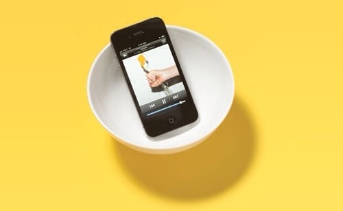 Amplify the volume of your iPhone or iPod by placing it in a bowl.