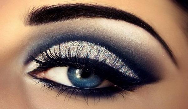 This flawless eye makeup tutorial is easier than it looks! --->