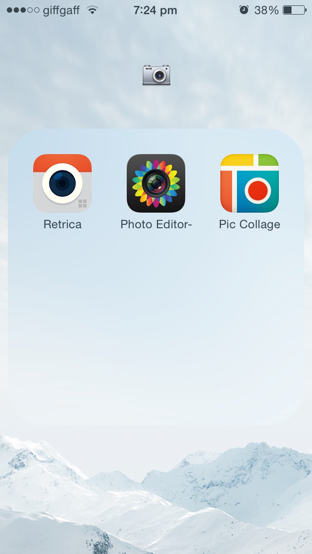 this is my photography folder, I rarely ever use 'Retrica' or 'Photo Editor' but I use 'Pic Collage' all the time, especially for instagram🙌🙌🙌😂