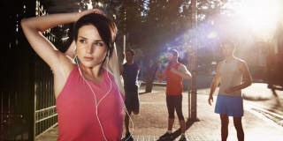 Wouldn't it suck if you ruined your workout before you even broke a sweat? Yes, yes, it would. So avoid these habits that can make your workout less efficient, enjoyable, and effective: