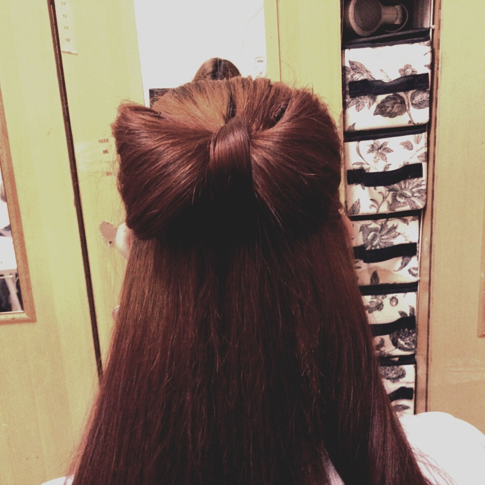 So here we have the usual hairbow that we see almost anywhere now