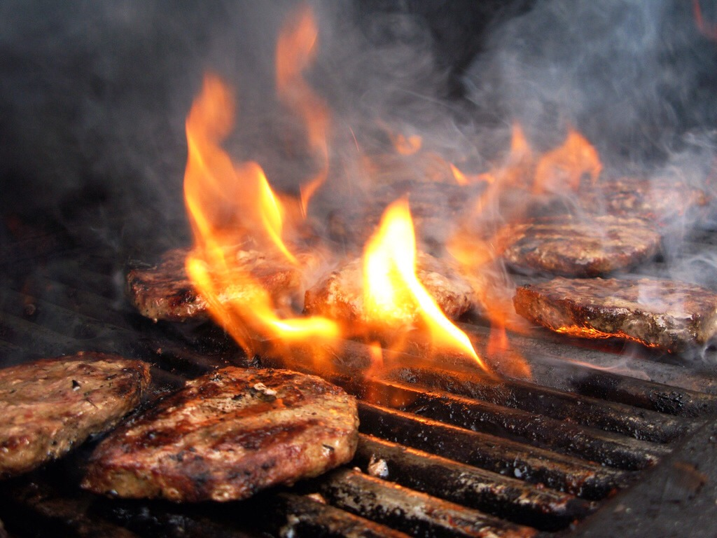 Tame a wild barbecue. Toss a bit of salt on flames from food dripping in barbecue grills to reduce the flames and calm the smoke without cooling the coals (like water does).