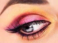 8.Brighten your eyes Right makeup for round face includes defining the eyes with any shade of eye shadow and wearing eyeliner to complement the entire look. Try to apply thin eyeliner from the lash line and work inwards.