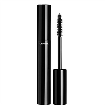 """Too much mascara!! First apply by holding the wand horizontally at the base of the lash and wiggle out with your first coat,"""" he says. """"Then hold the wand vertically for thee second coat to build up length, curl and separation"""