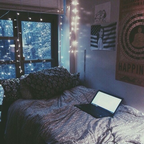 4. Have a movie marathon! This is especially good during like Christmas season, cuz you can watch the movies all cozy in da fort with some hot cocoa or something