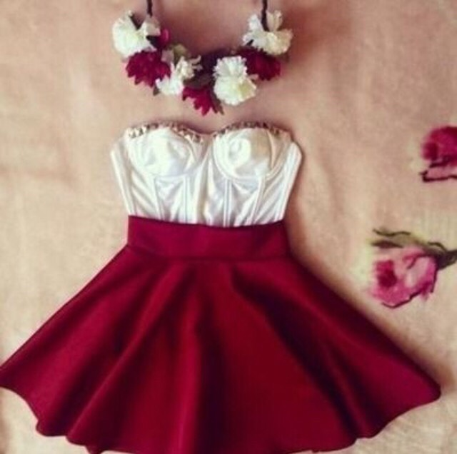 742355fa63 Here is a few girly outfits if your going on a date or you just wanting to  be chic!