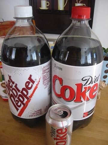 4. Keep a bottle of soda from going flat.  Keep a bottle of soda from going flat. Once you're done with your soda for the day, shake it up before putting it back in the fridge. It'll stay fizzy for weeks.