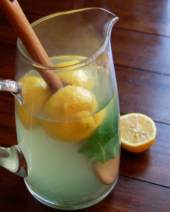 Lemon, Ginger and Basil Iced Tea for Detox RecipeHere