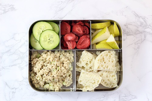 6 | Salmon Salad Lunch ComboI stock up onWild Salmon Pouches. Theywill eat it right out of the pouch &it makes good salmon salad too. Also,stack iton top of an english muffin & top it off with a cucumber.  1. Salmon (or tuna) salad 2. Cucumber 3. Pears 4. English muffin 5. Dried strawberries