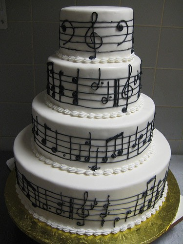 Outstanding, musical note cake.
