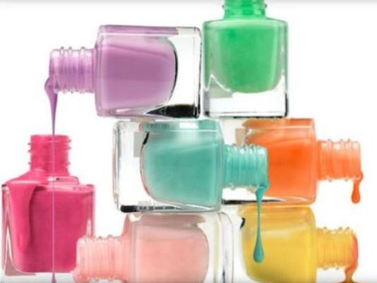 These are some tips for some DIY nail polish that is totally easy and adorable, it only cost 99¢!!