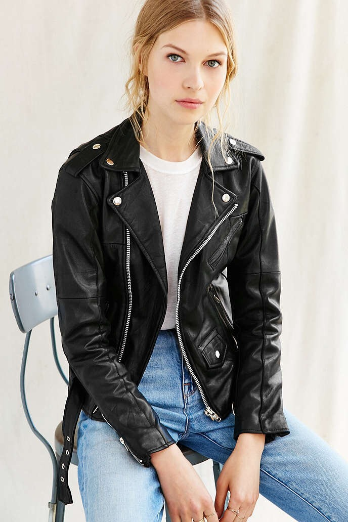 For more of a rocker look... Get a biker jacket! You can put it with a skirt, a dress or a get up like this . Staple for sure.#tipit