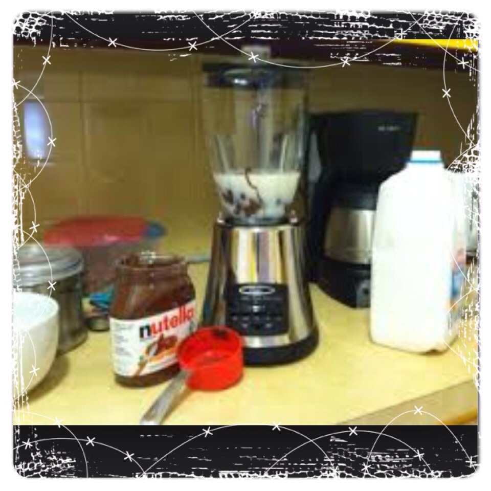 Step 2: Place the milk and Nutella in a blender and blend until thoroughly combined.