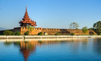 Mandalay is the city where the last king of Myanmar ruled and loved. Have a morning walk beside the Moat and watch the grand palace. Or have a look inside   Must do: visit the moat, hike at Mandalay hill? Visit pagodas