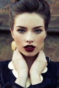 dark wine lips and gold smokey eyes