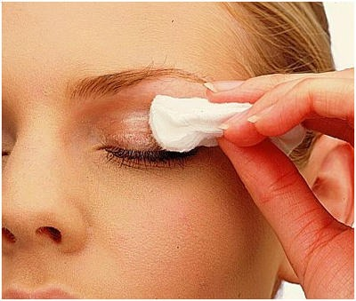 Use a Q-tip, tissue or cotton pad. After cleaning off your make up at night it will leave a thin layer on your lashes helping yh to grow longer and thicker.