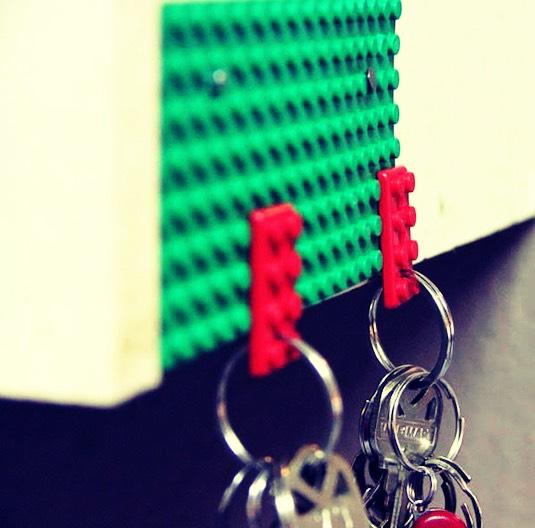 Use Legos as a key holder 🏠
