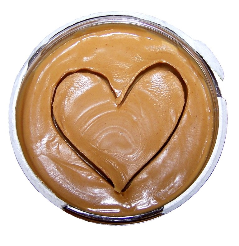 2. Include some dip. Don't just pack an apple for your snack. Slice up your fruit and buy (or make your own) individual almond or peanut butter packets. It's best to get your nut butters from the health food shop to avoid the added sugar and preservatives that are in regular supermarket brands.