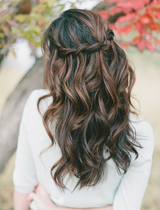 cute waterfall braid! this hairstyle is surprisingly super easy and I would wear this Casual but beautiful hairstyle anywhere. or even just around the house.
