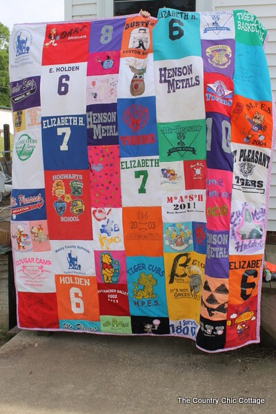This is such a great idea to bring back old memories. So keep special t- shirts of your son or daughter and gift them this t-shirt quilt to cherish for their entire life in their graduation