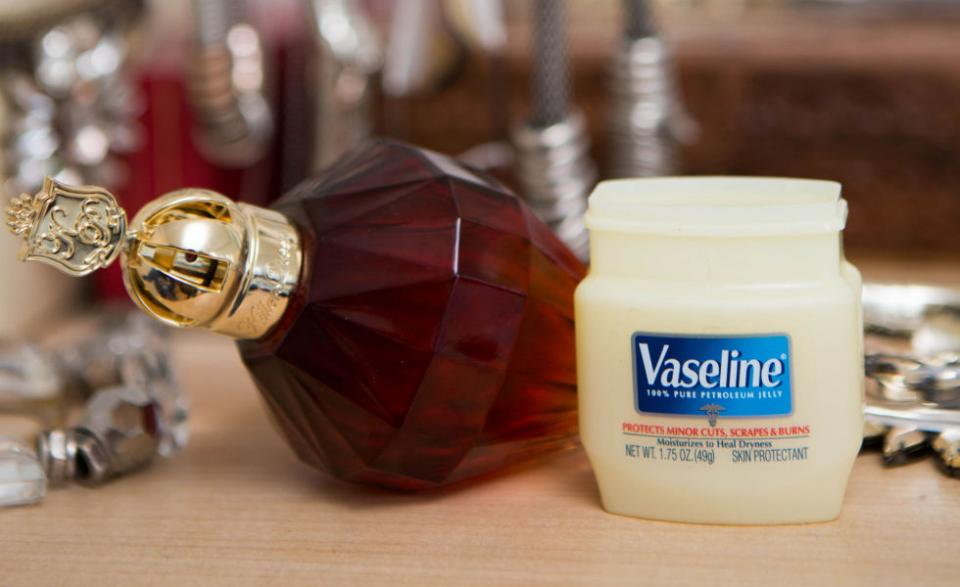 2. Rub Vaseline on your pulse points before spraying your perfume to make the scent last longer. The ointment, which is occlusive, will hold the fragrance to your skin longer than if you were to spray it onto dry skin.