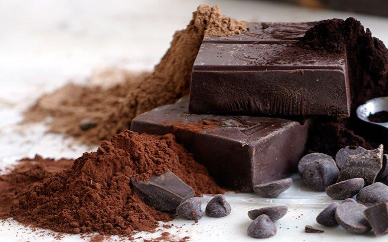 HAVE A PIECE OF DARK CHOCOLATE   Instead of taking cookies in the break time to quite your sugar cravings you can have dark chocolate. This might not make your hunger quite but make it your addiction.