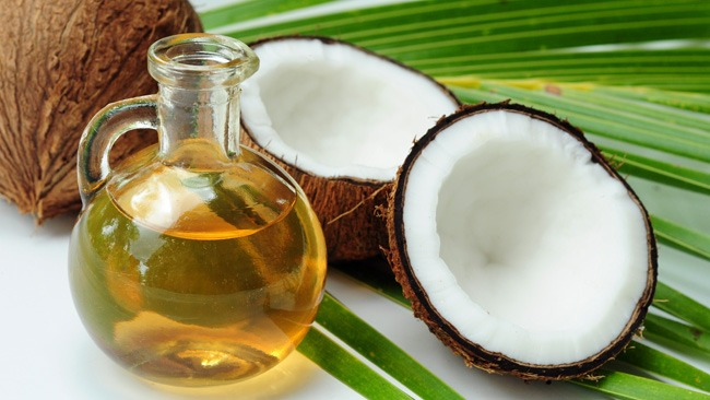Put coconut oil in hair to smooth hair