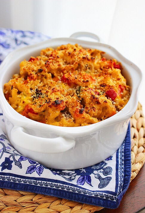 --> Creamy macaroni and cheese is everyones favorite side dish!  -> HEALTHIER/TASTIER VERSION: full of roasted veggies!