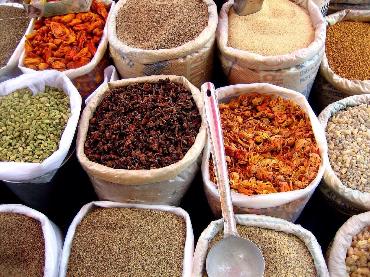 Here are a list of spices that help with weight  loss and health! Enjoy! :)