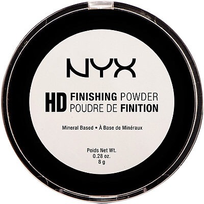 I bought this on a whimb because it was only $3.50 and I didn't think I would actually like it but I do this sets ur makeup nicely without looking cakey looks completely translucent on the face and is pressed so it doesn't fly anywhere 🙏🏼 for the price it's unbeatable