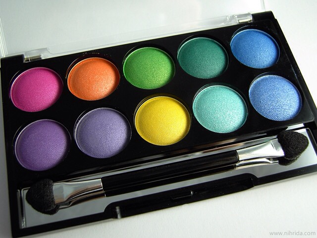 Your choice of color eyeshadow
