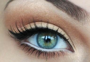 this is using white eye liner in the bottom waterline, this makes your eyes seem a lot bigger